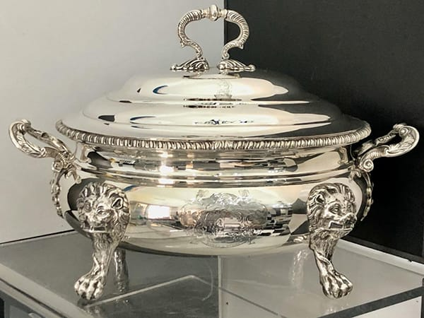 Georgian Silver Tureen London 1808.<br>Maker: William Fontain.<br>Weight 3770 grams.