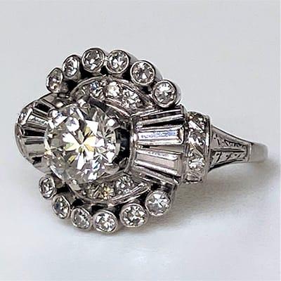 Vintage Art Deco Platinum and Diamond Ring.