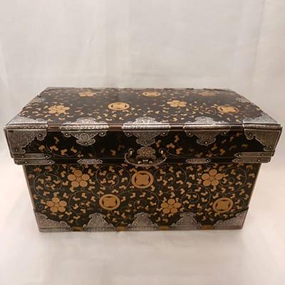 Japanese laquer jewel box silver mounts.
