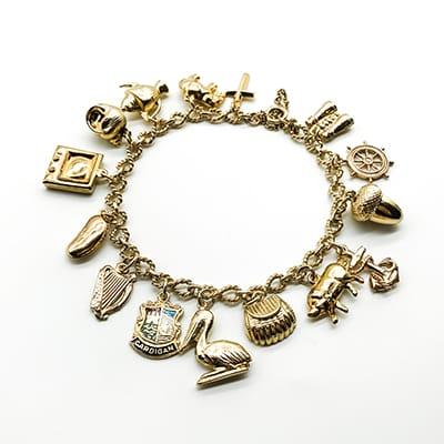 Vintage 9ct Gold Charm Bracelet.