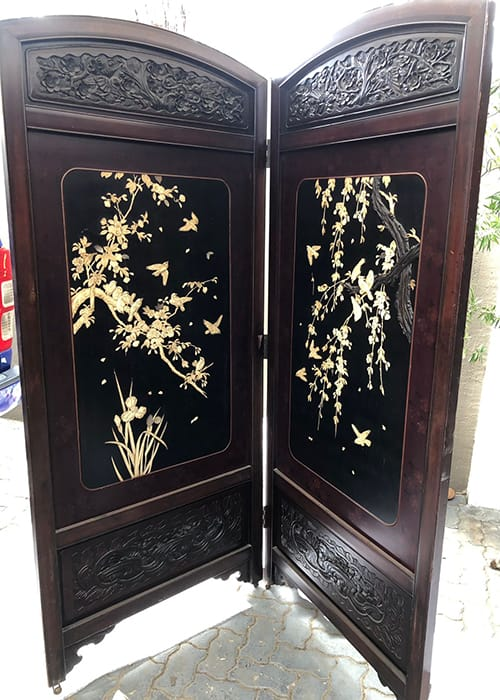 BeauTful Meiji period (1868-1912) <br>Japanese lacquered inlayed screen.